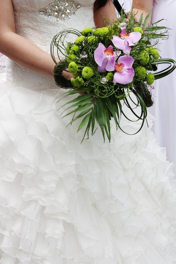 Wenig Hochzeitsblumenstrauß mit Orchidee lizenzfreies stockbild
