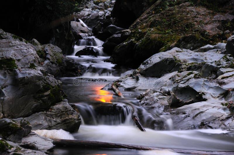Wenig Wasserfall stockfotografie