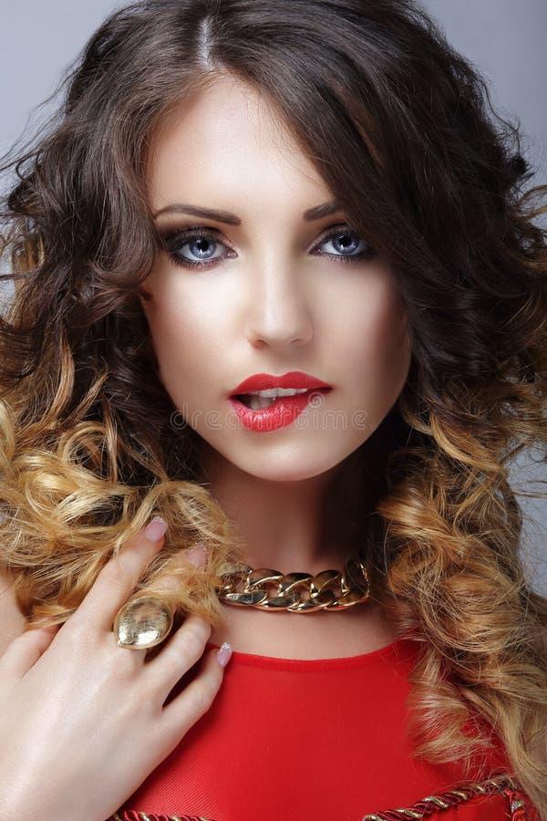 wens Flirterige Vrouw die Haar Sexy Lippen bijten royalty-vrije stock foto's