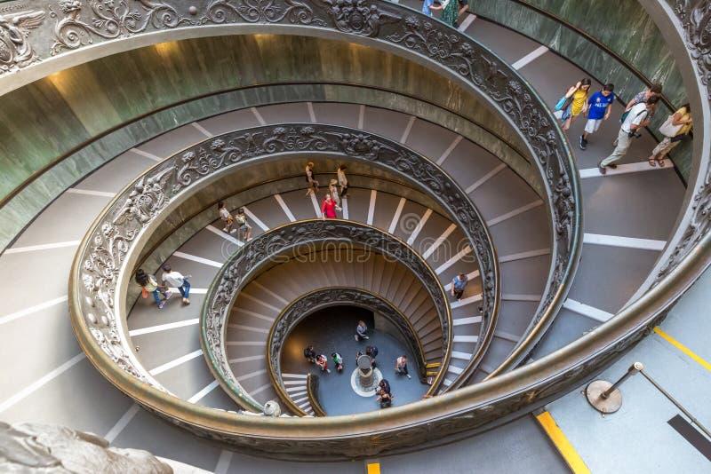Wenteltrap in het museum van Vatikaan royalty-vrije stock afbeelding