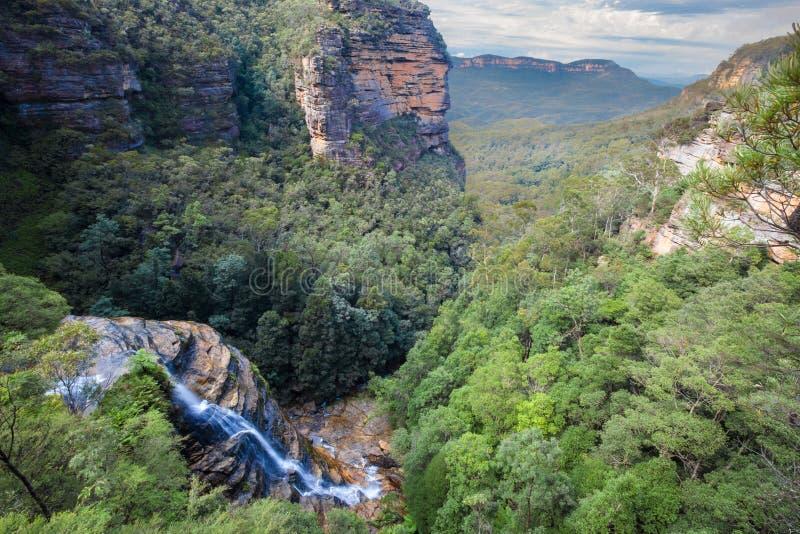 Wentworth nedgångar, blåa berg, Australien arkivfoto