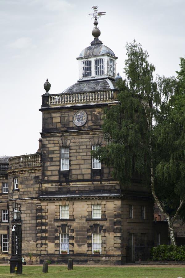 WENTWORTH, UK - Czerwiec 1, 2018 Wschodu przód Wentworth Woodhouse dostojny dom Jacobean domowy opóźniony odbudowywający, orygina zdjęcia royalty free