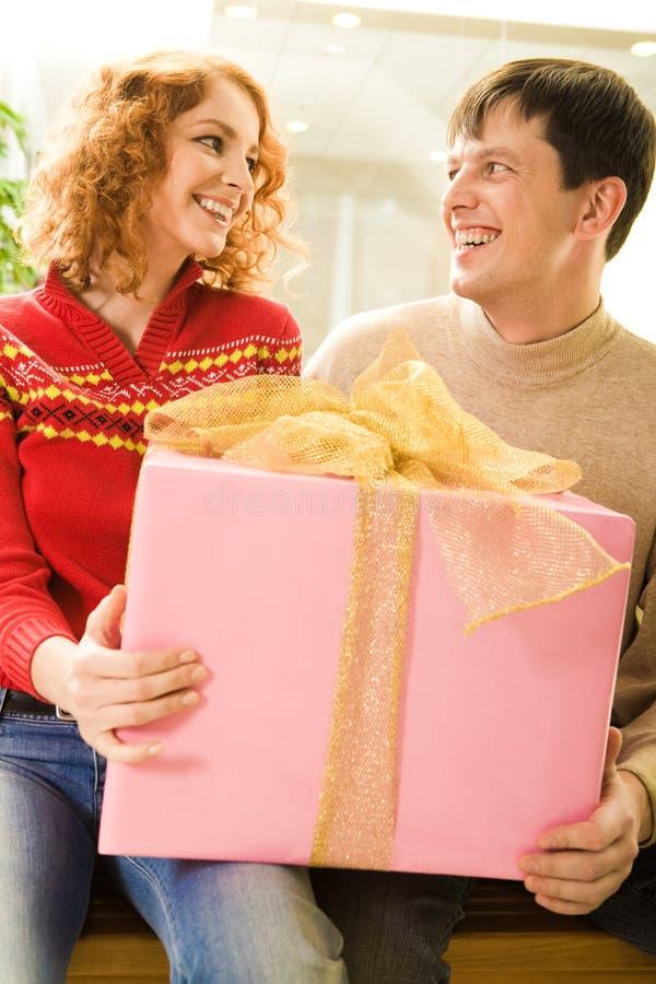 Wer Geschenk ist es? stockbild