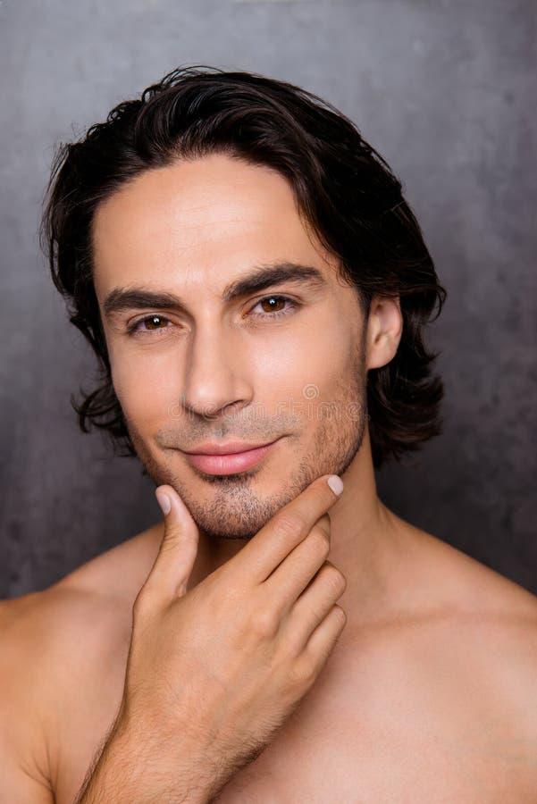 Werbung und Friseursalon, Bartschnitt und anreden Konzept clos stockfoto
