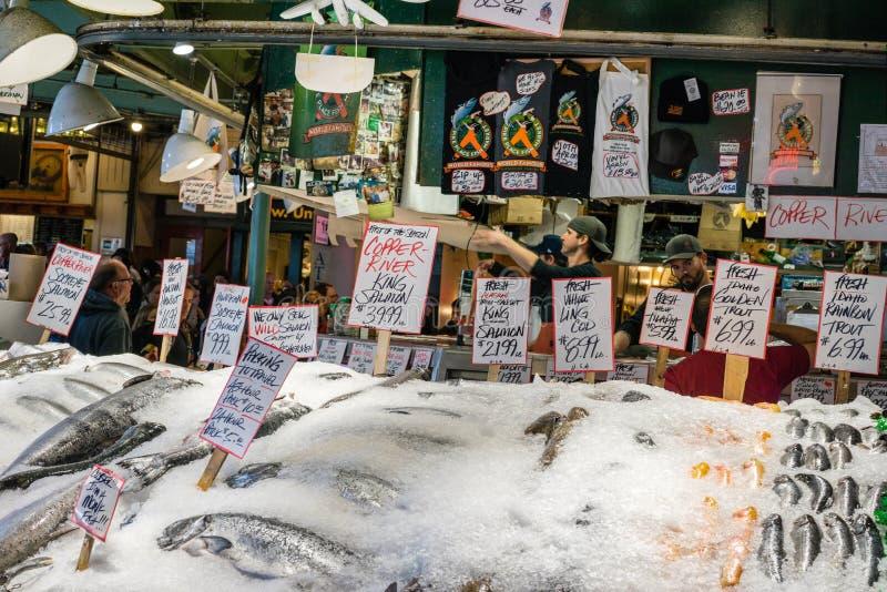 Wereldberoemde de Vissenmarkt van de Snoekenplaats stock afbeeldingen