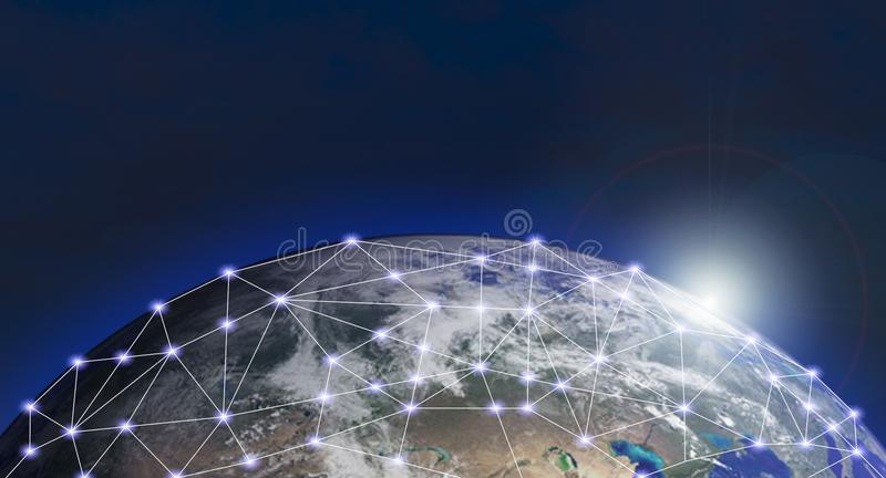 Wereldnetwerk sociaal Internet van globale zaken van Elementen van dit die beeld door NASA wordt geleverd stock foto's