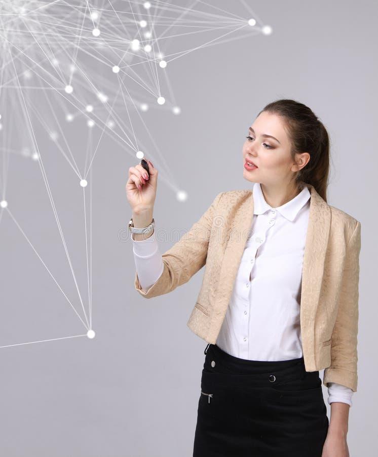 Wereldwijd netwerk of draadloos Internet-verbindings futuristisch concept Vrouw die met verbonden punten werken royalty-vrije stock foto