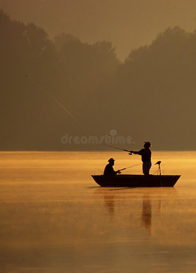 Werfen für Fische stockfotos