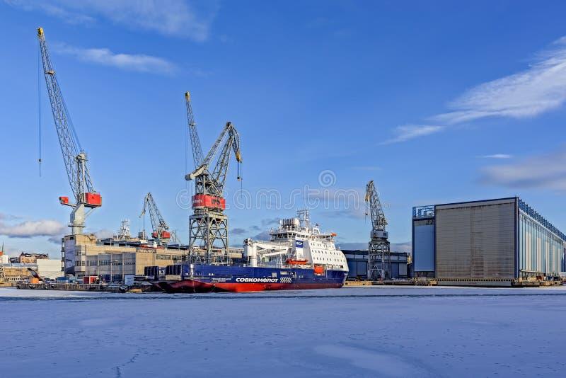 Werft in Helsinki-Westhafen stockbilder