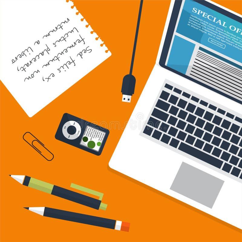 Werkplaats met persoon die aan laptop werken die op videospeler, concept letten webinar, bedrijfs online opleiding, onderwijscomp vector illustratie