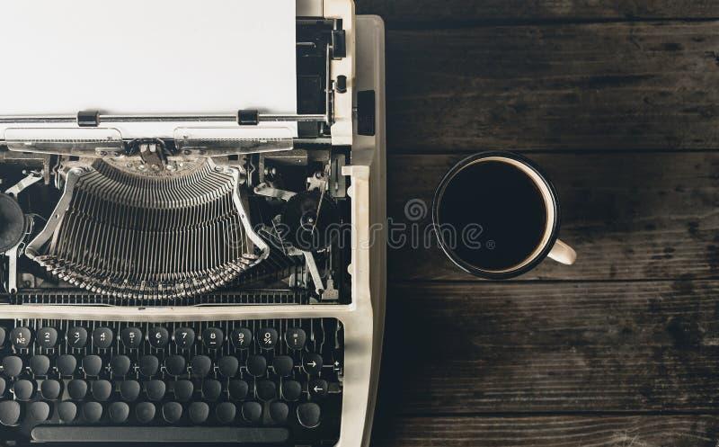 Werkplaats van een Journalist, Schrijver Or Blogger, Hoogste Mening creatief stock foto's