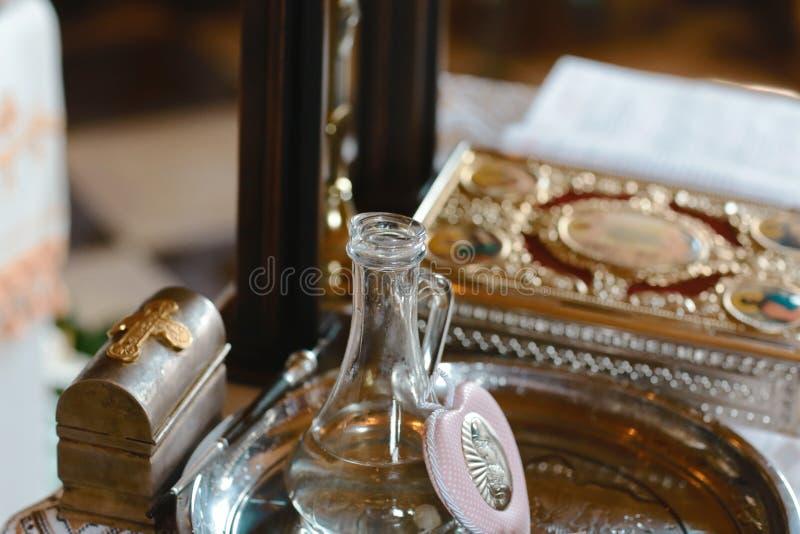 Werkzeuge für Babytaufe Katholizismus, das Konzept des Christentums stockbild