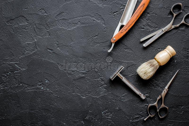 Werkzeuge für den Schnitt von Draufsicht des Bartfriseursalons lizenzfreies stockbild