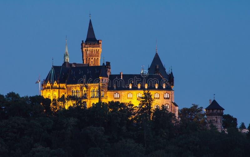 Wernigerode Tysklandslott på natten royaltyfri foto
