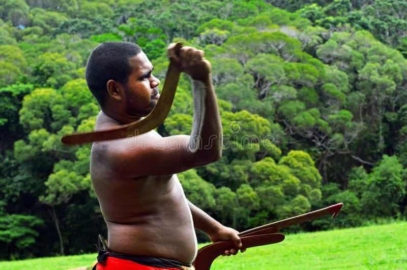 Werpt de Yirrganydji Inheemse strijder boemerang royalty-vrije stock foto