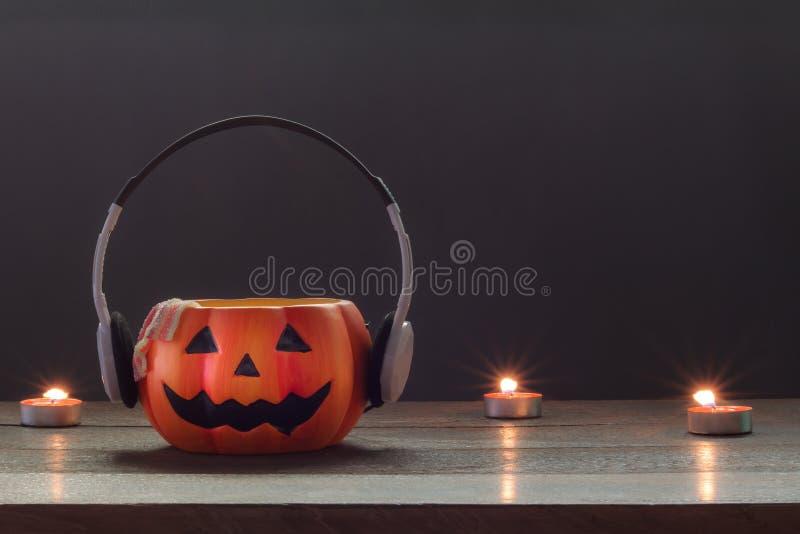Wesentlicher Zusatz von glücklichen Halloween-Dekorationen Festival und von Musikkonzept lizenzfreies stockbild
