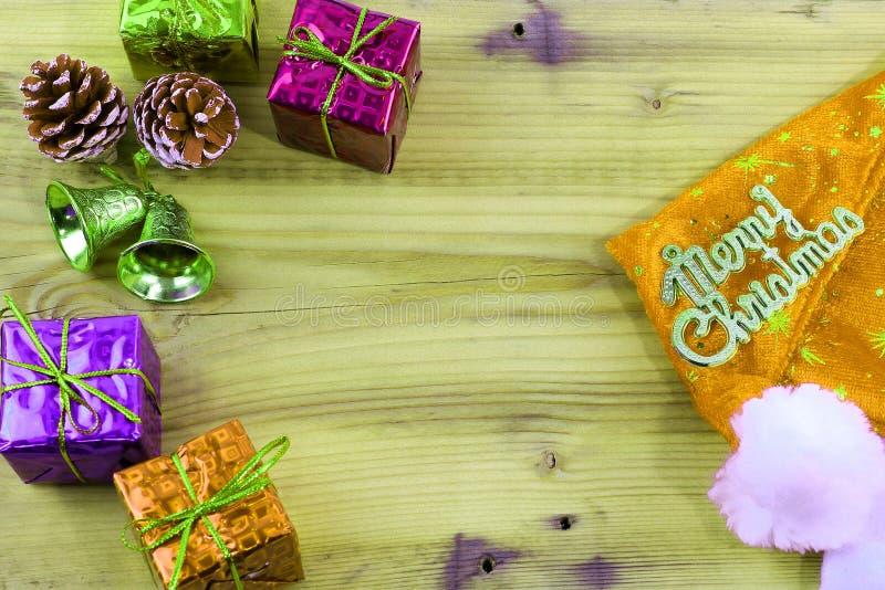 Wesoło bożych narodzeń prezent, zabawkarski i drewniany fotografia stock
