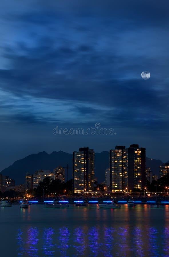 West End de Vancouver en la noche   imágenes de archivo libres de regalías