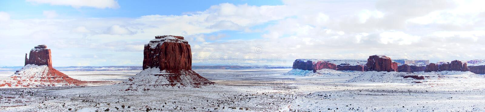 West Mitten en Merrick Buttes na sneeuwval, Monument Valley, Arizona royalty-vrije stock foto's