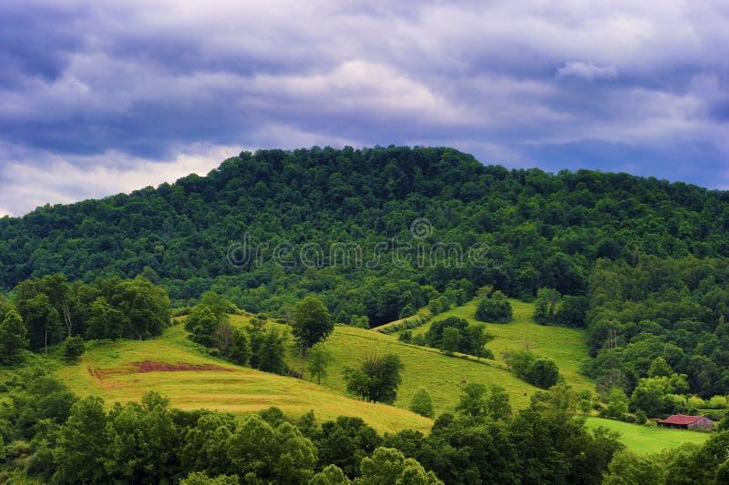 West Virginia rual bygdlandskap arkivbild