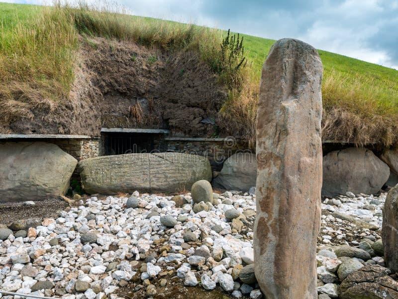 Westelijk de Passagegraf van de Knowth Neolithisch Hoop, Ierland stock foto