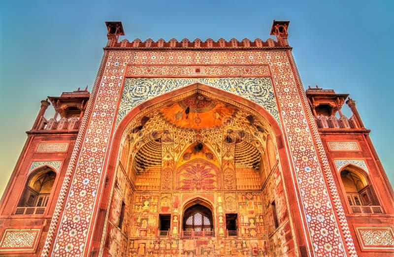 Westelijke Poort van Sikandra-Fort in Agra - Uttar Pradesh, India stock fotografie
