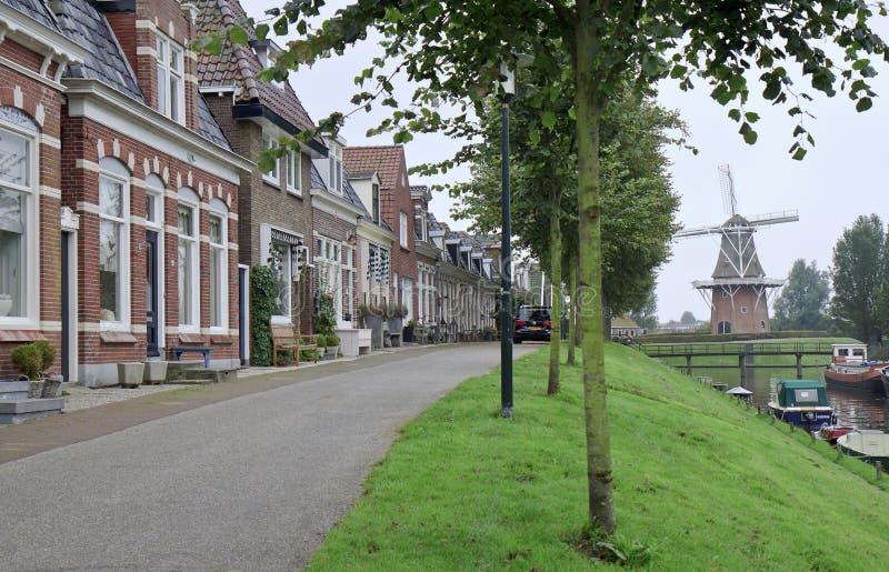 Westerbolwerk e mulino Zeldenrust in Dokkum, Olanda fotografia stock libera da diritti
