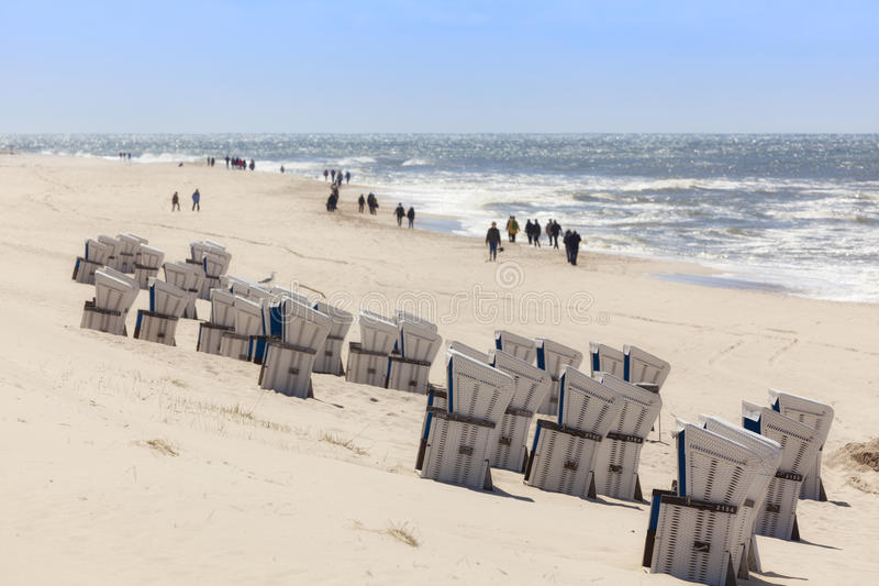 Westerland,叙尔特岛海滩,在一个温暖的春日 免版税库存照片