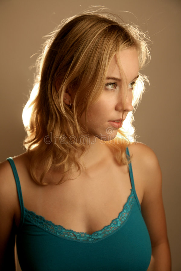 Free Western Girl Looking Away Royalty Free Stock Photography - 3228877