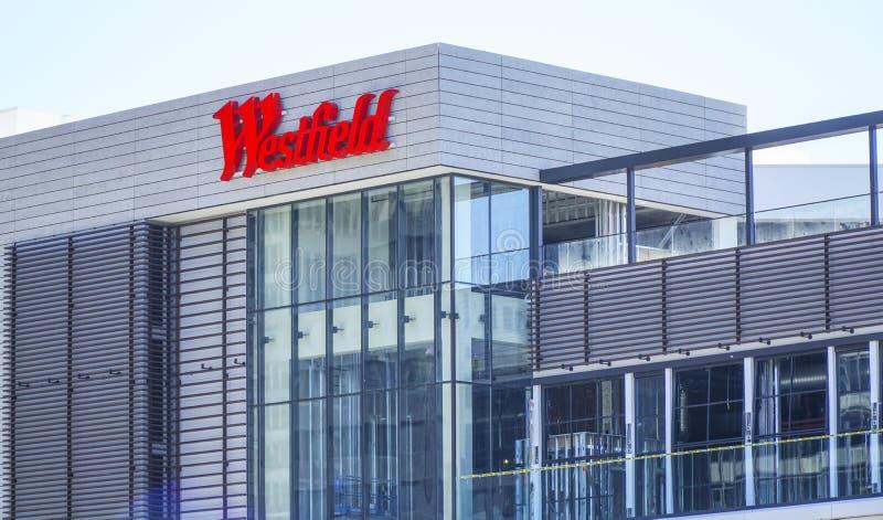 Westfield Beverly Hills Shopping Mall - LOS ANGELES - KALIFORNIEN - APRIL 20, 2017 arkivfoton