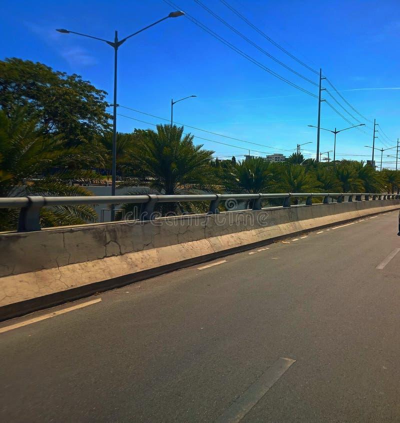 Westgate mitt, Alabang-Zapote vägMuntinlupa tunnelbana Manila PH arkivbild