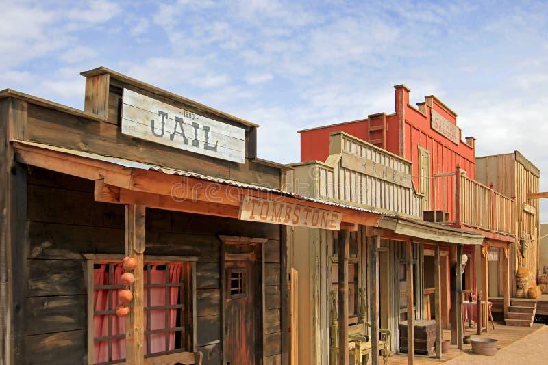 Westhäuser auf dem Stadium des O K Hürdenschießerei in der Finanzanzeige, Arizona lizenzfreie stockfotos