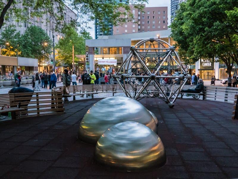 Westlake-Park, Seattle, an der Dämmerung lizenzfreie stockfotos