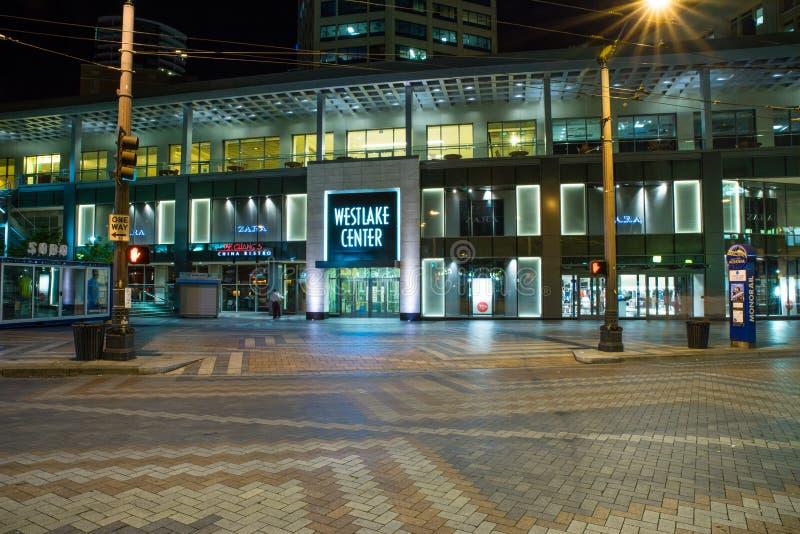 Westlakecentrum bij nacht, Seattle Washington stock afbeeldingen
