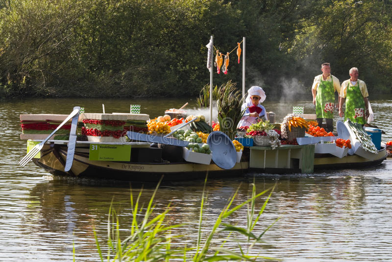 Download Westland Floating Flower Parade 2011 Editorial Photography - Image of holland, netherlands: 22011872