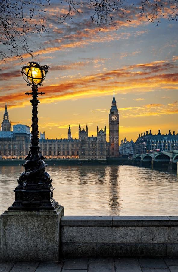 Westminister i Big Ben po zmierzchu fotografia stock