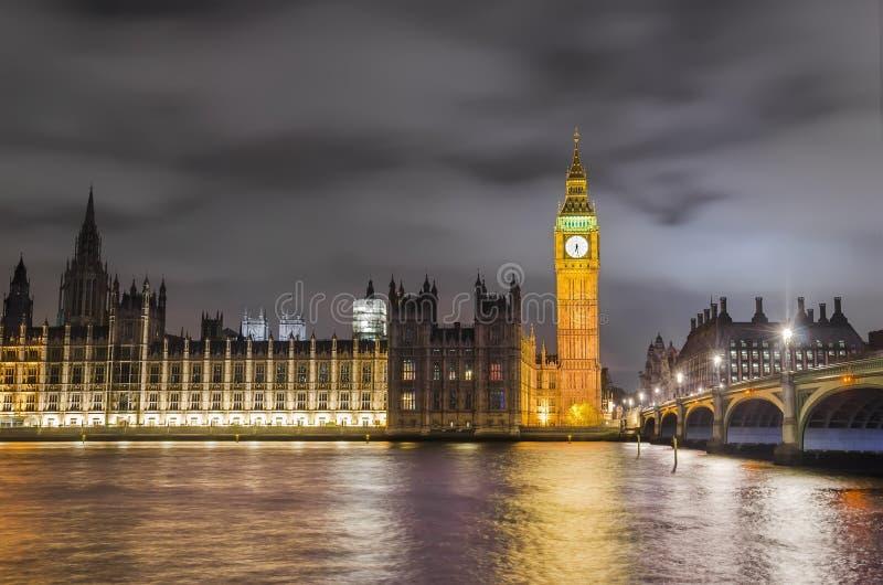 Westminster bro, Big Ben och hus av parlamentet, London, arkivfoton