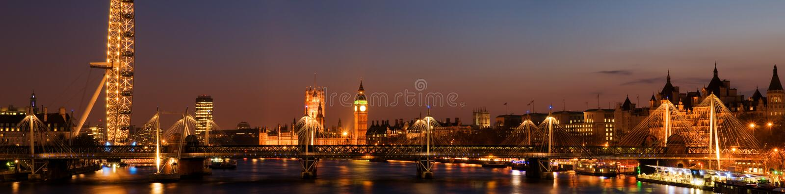 Westminster nachts. (London lizenzfreie stockfotos