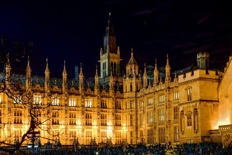 Westminster-Palast in London - Nacht-wiev stockbild