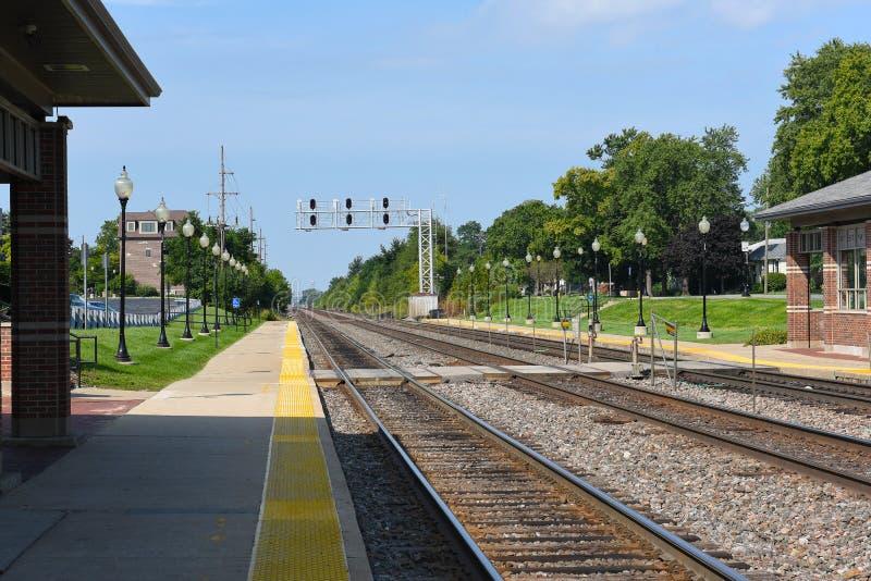 Westmont火车平台和路轨 库存照片