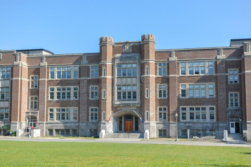 Westmount-Park-Volksschulegebäude lizenzfreie stockfotos