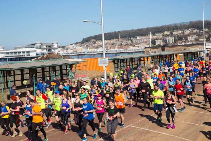 Weston Super-Halbmarathon Weston-Super-Stute Somerset am Sonntag, den 24. März 2019 lizenzfreie stockfotografie