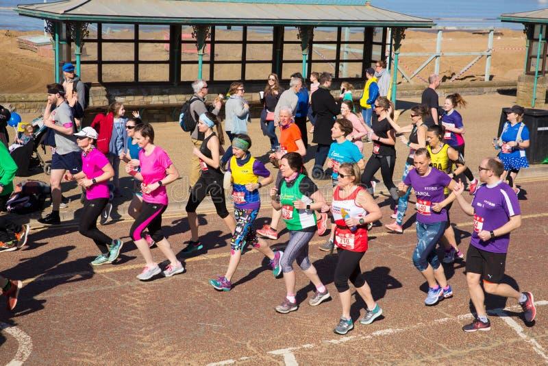 Weston Super halv maratonWeston-toppen-sto Somerset på den söndag 24th mars 2019 royaltyfri foto