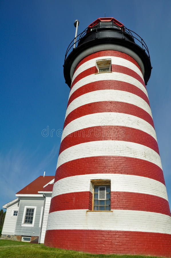 WestQuoddy Hauptleuchtturm, Maine, USA stockfotografie