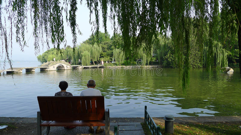 Westsee mit Steinbrücke lizenzfreies stockbild