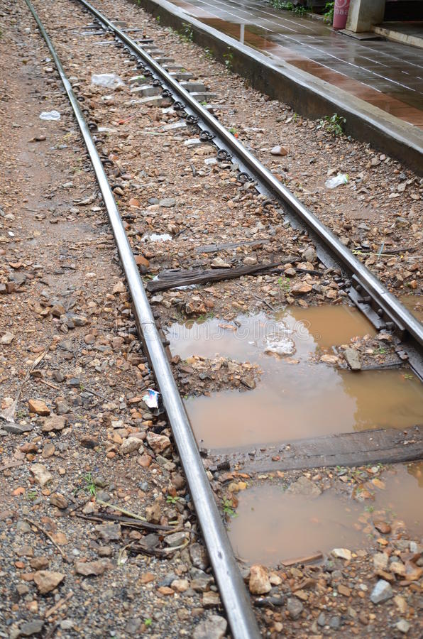 Free Wet Train Track Stock Photography - 32284662