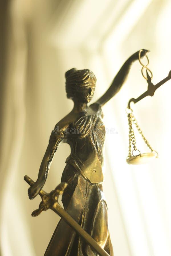 Wettelijk advocatenkantoorstandbeeld stock afbeeldingen
