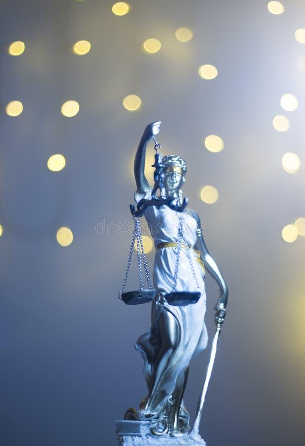 Wettelijk het bureaustandbeeld van de advocatenrechtvaardigheid stock foto's