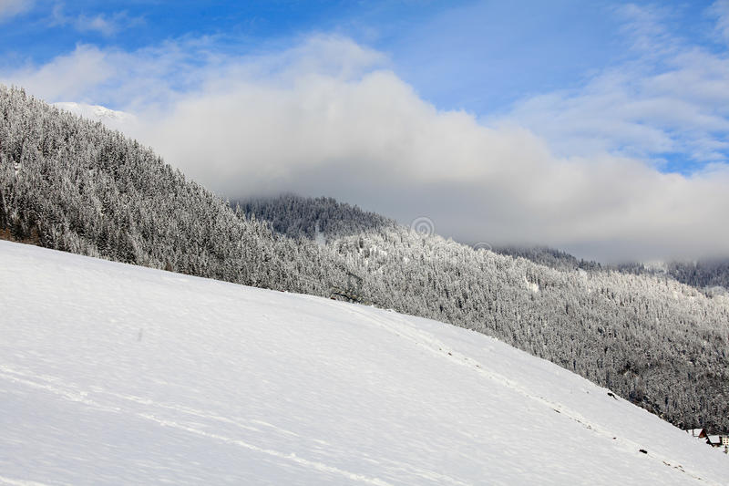 Wetteränderungen in den Bergen stockbilder
