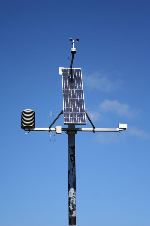 Wetterüberwachungstation lizenzfreie stockfotografie